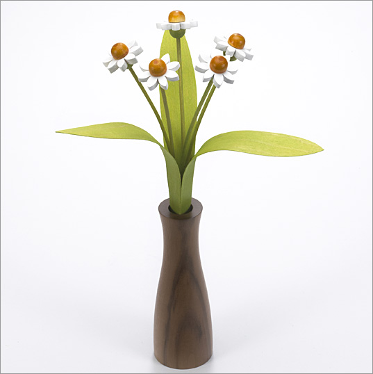 5 white Daisies with 3 green leaves with Walnut 'cool' vase
